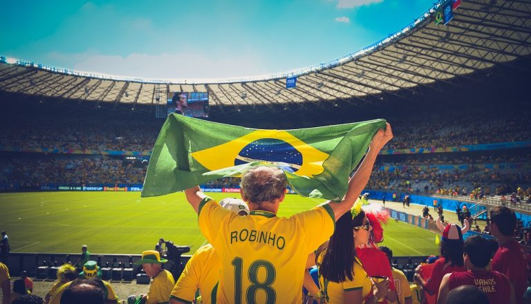 Faite un tour au Brésil, le pays de la Samba.